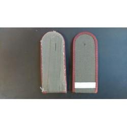 Pagunid - Hõbe triip, punase äärega hallil taustal
