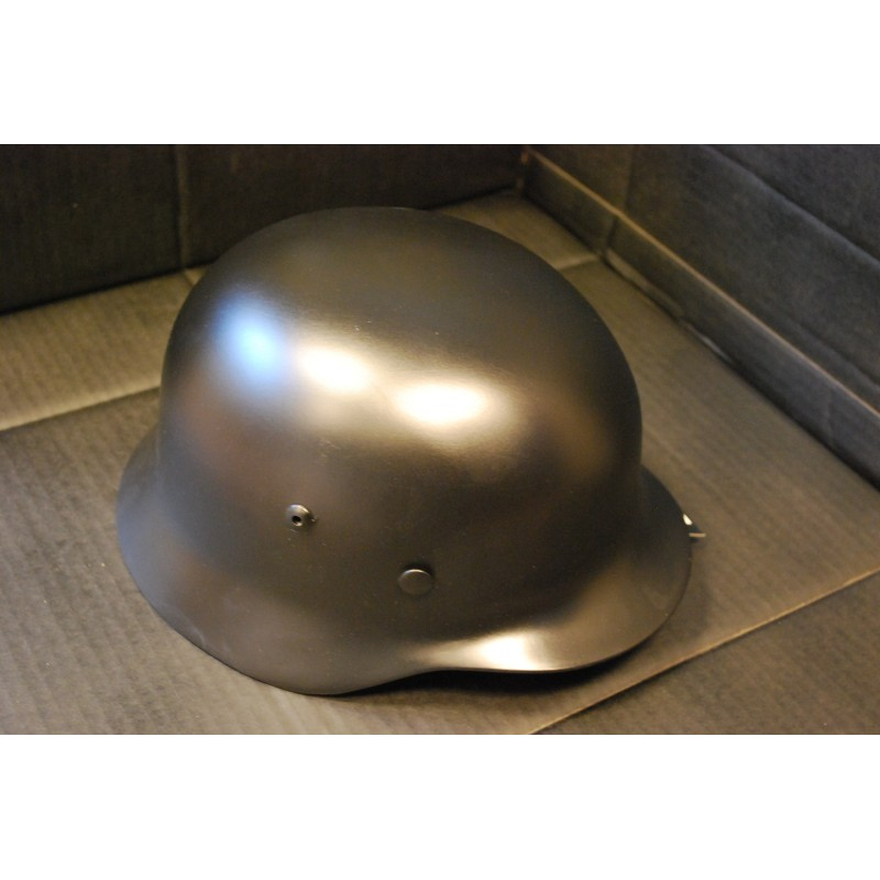 Saksa metallkiiver, WW II, must, nahast sisu