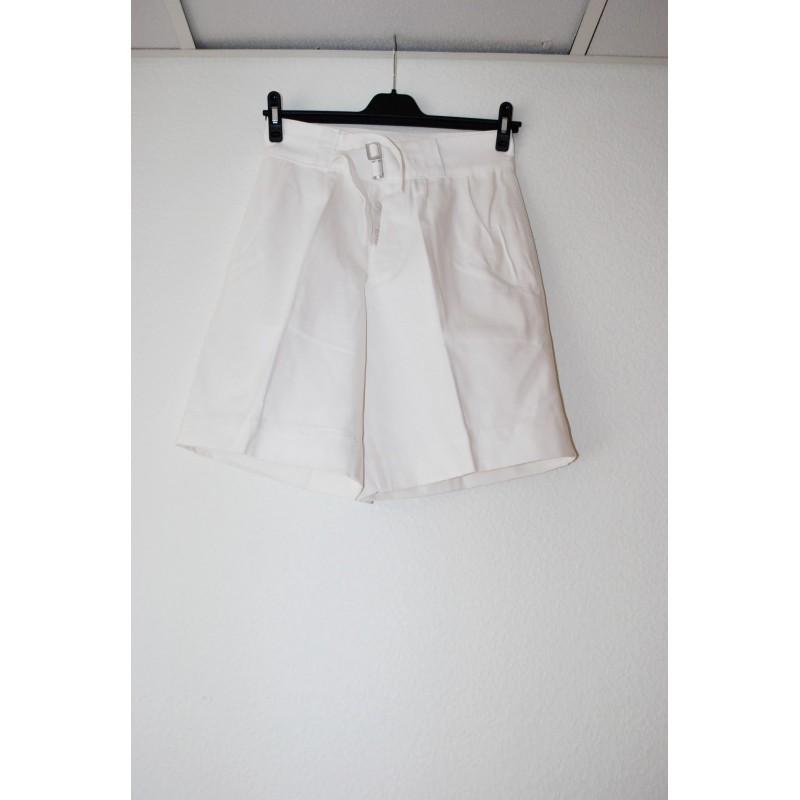 Italian navy bermuda pants, white