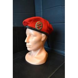 Saksa barett, punane, märgiga