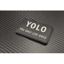 "Velcro märk ""YOLO - You only live once"" 3D, must/hall"